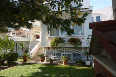 Недвижимость на Аспровалта . Вилла площадью 140 кв.м.