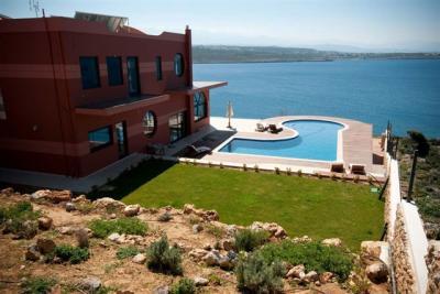 Недвижимость на о.Крит . Вилла площадью 0 кв.м.