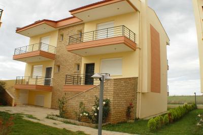 Недвижимость на Халкидики Ситония. Таунхаус площадью 125 кв.м.