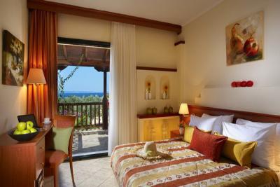 Недвижимость на Халкидики Ситония. Отель площадью 24000 кв.м.