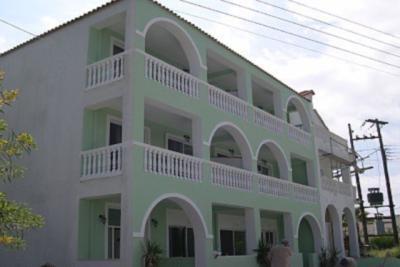Недвижимость на о.Закинфос . Апартаменты площадью 320 кв.м.