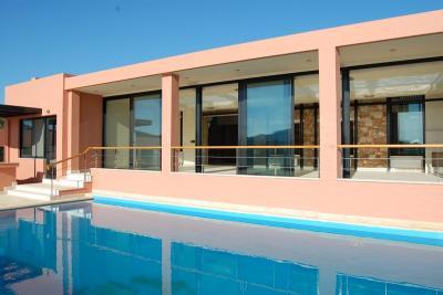 Недвижимость на Аттика . Вилла площадью 1000 кв.м.