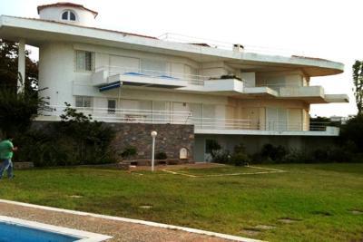 Недвижимость на Аттика . Вилла площадью 960 кв.м.