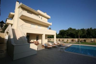 Недвижимость на о.Крит . Вилла площадью 350 кв.м.