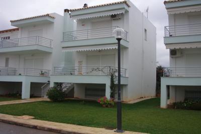 Недвижимость на Пелопоннес Коринф. Вилла площадью 111 кв.м.