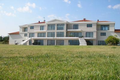 Недвижимость на Пригороды г.Салоники . Вилла площадью 1100 кв.м.