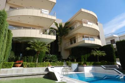 Недвижимость на Аттика . Таунхаус площадью 800 кв.м.