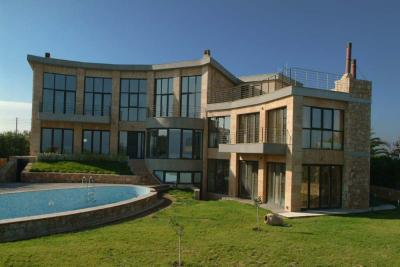 Недвижимость на Халкидики Кассандра. Вилла площадью 430 кв.м.
