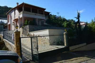Недвижимость на Пелопоннес . Вилла площадью 165 кв.м.
