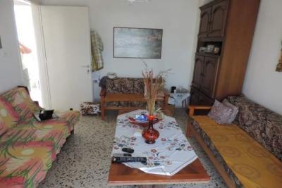 Недвижимость на Катерини . Квартира площадью 37 кв.м.