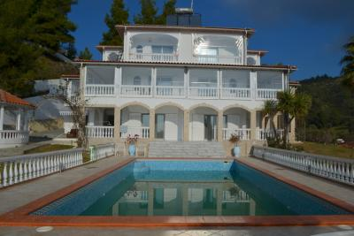 Недвижимость на Халкидики Кассандра. Вилла площадью 395 кв.м.