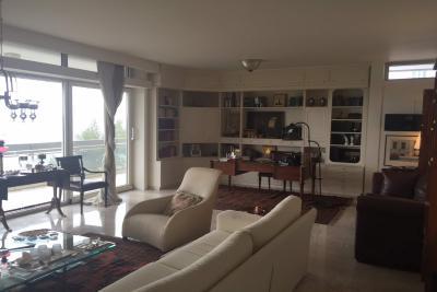 Недвижимость на Салоники . Квартира площадью 220 кв.м.